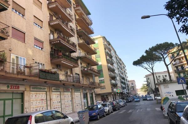 Napoli- 3 locali con cantinola- Ottimo Stato