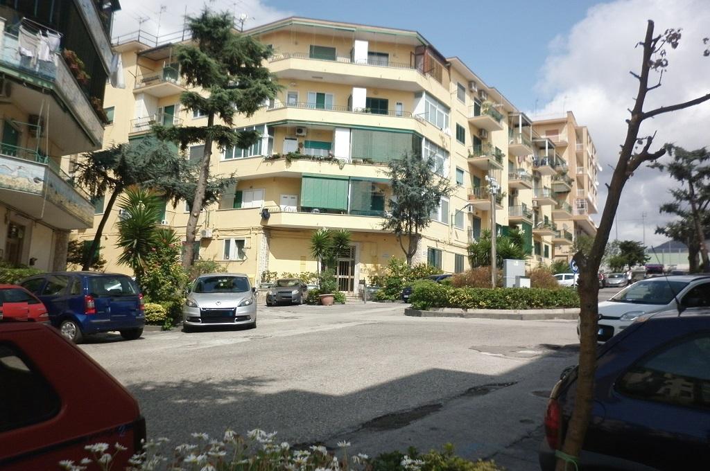 Portici (NA) - 3 locali LOCATO