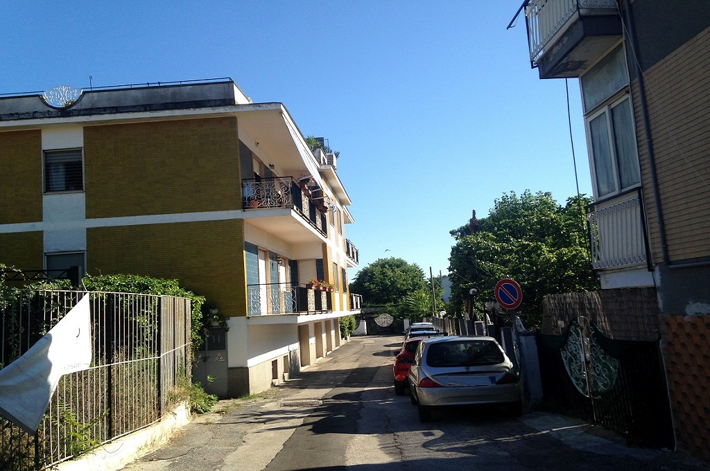 Portici (NA) - Locale Commerciale