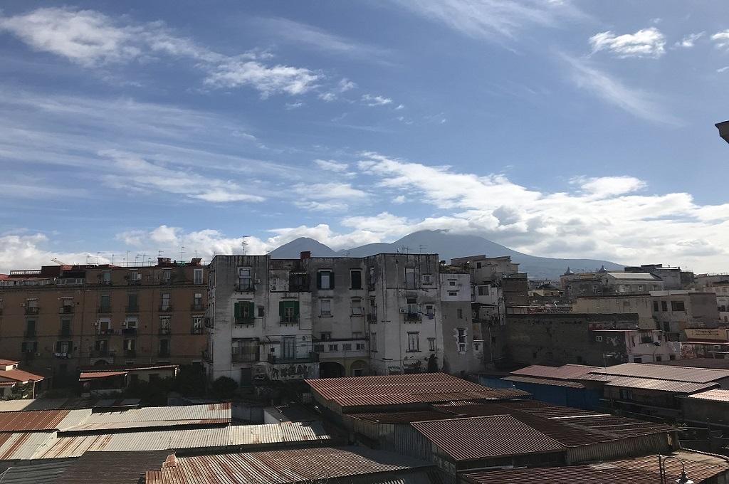 Portici (NA) - 5 locali con balconi terrazzati